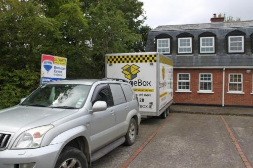 Moving-House-Sale-Agreed-Mobile-Self-Storage-Box-Cheap-Storage-Unit-Dublin-Meath-Louth-Drogheda-Ireland-min